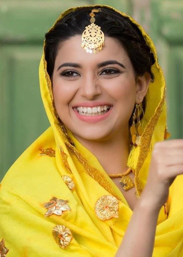 nimrat khaira singer punjabi